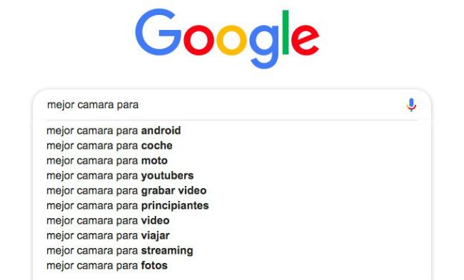 Se muestran los resultados de búsqueda de Google. Es un ejemplo de cómo buscar palabras clave 'de larga cola'.
