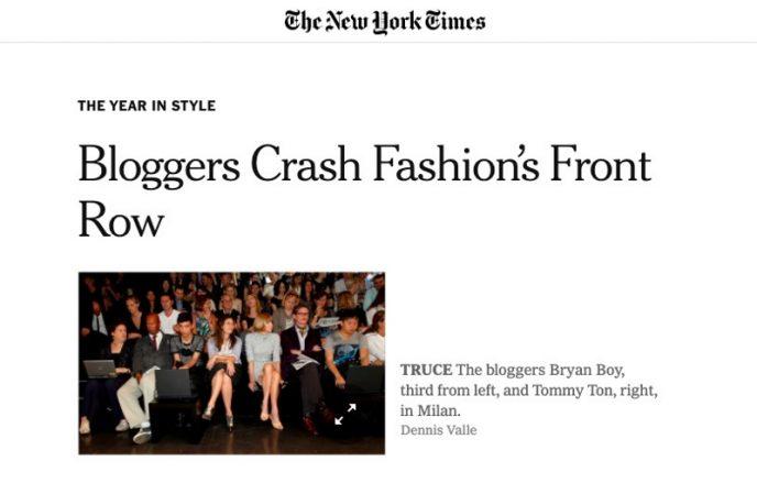 New York Times-Artikel über Modeblogger, die in der ersten Reihe sitzen.