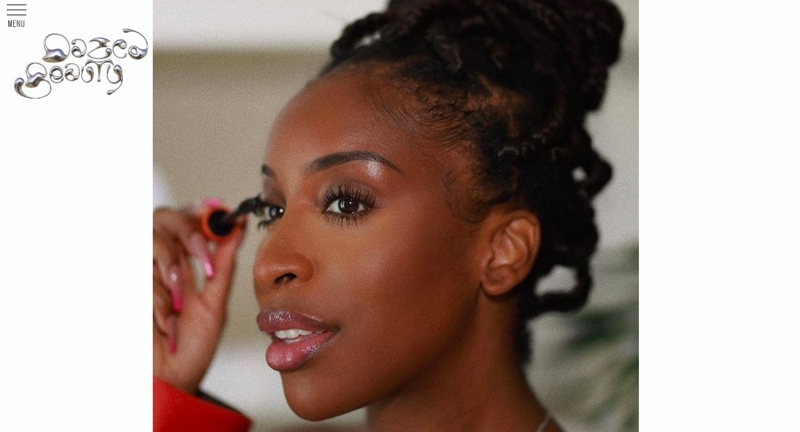 Close up of colored women applying eyeliner. Example of how beauty fashion blogging influencers are becoming a force for social change.